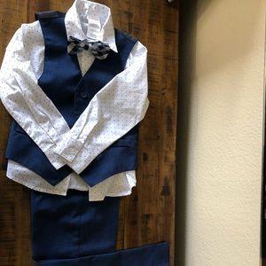 VAN HUESEN boy's patterned shirt, pant & bow tie